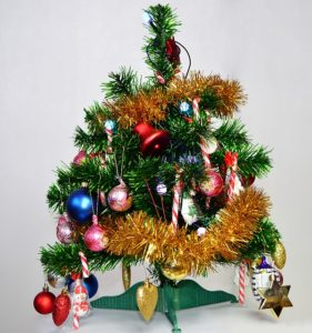 christmas-tree-1090966_640